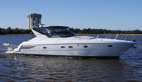 Used Trojan 440 Express Yacht Express Cruiser Boat For Sale
