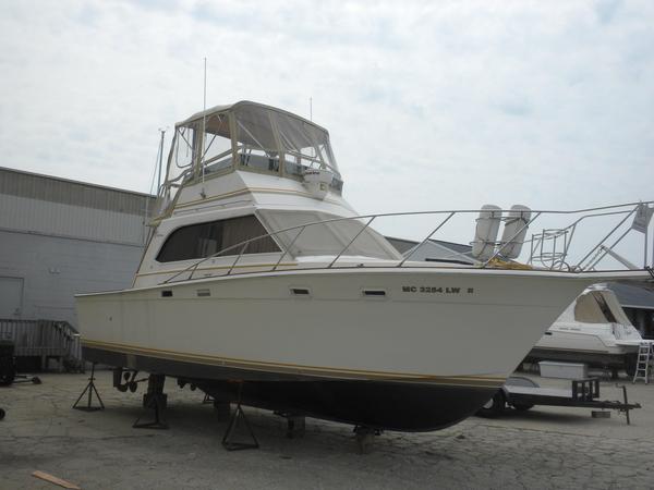Used Egg Harbor 33 Sedan Flybridge Boat For Sale