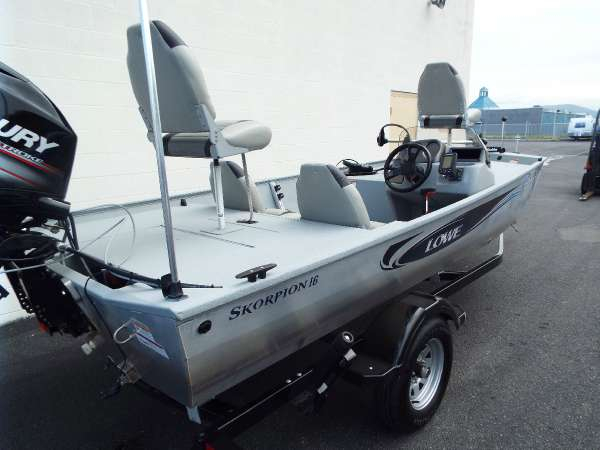 Used Lowe Skorpion Bass Boat For Sale