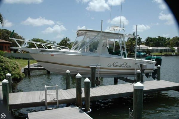 Used Salt Shaker 300CC Center Console Fishing Boat For Sale