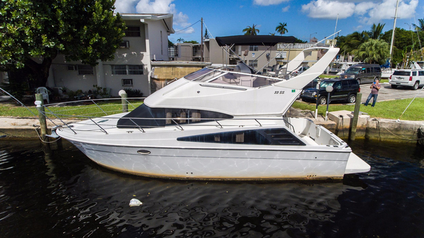 Used Carver 33 Super Sport Motor Yacht For Sale