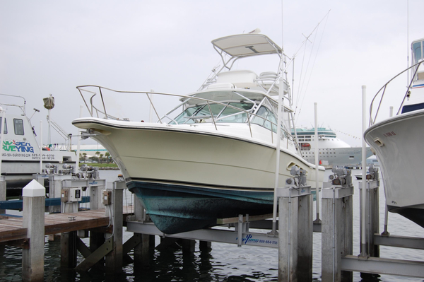 Used Rampage 33 lift kept 315 hrs Saltwater Fishing Boat For Sale
