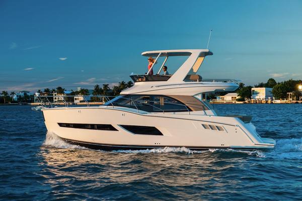 New Carver C40 Command Bridge Flybridge Boat For Sale