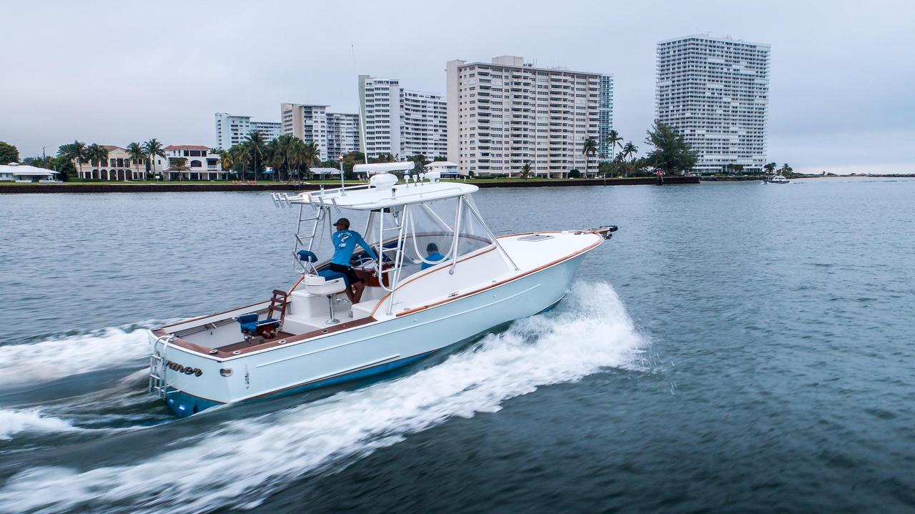2000 used gamefisherman 30 express sports fishing boat for for Express fishing boats