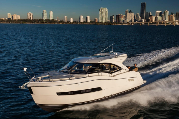 New Carver C37 Coupe Cruiser Boat For Sale