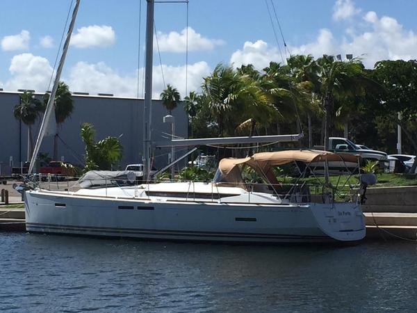 Used Jeanneau 439 Sloop Sailboat For Sale