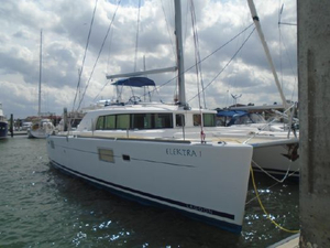 Used Lagoon 440 Owner's Version Cruiser Sailboat For Sale