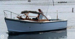 Used Mackenzie 26 Cuttyhunk Antique and Classic Boat For Sale