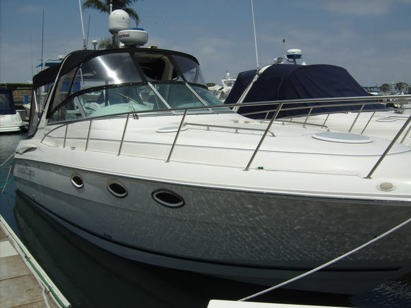 Used Monterey 322CR Express Cruiser Boat For Sale