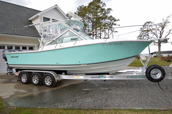 Used Regulator 26 Express Sports Fishing Boat For Sale