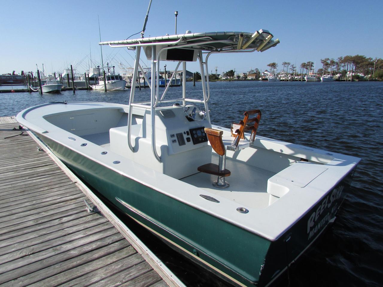 2000 used custom carolina 27cc sports fishing boat for for Custom fishing boats