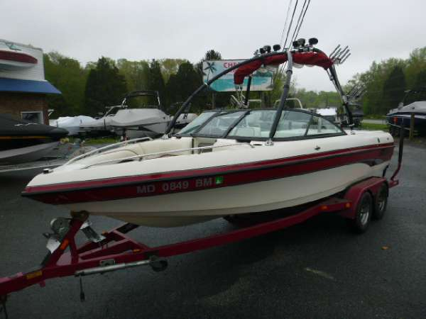 Used Malibu 21 Sunscape Ski and Wakeboard Boat For Sale