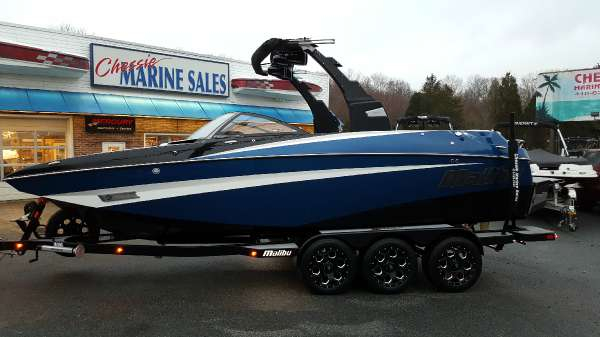 New Malibu M235 Ski and Wakeboard Boat For Sale