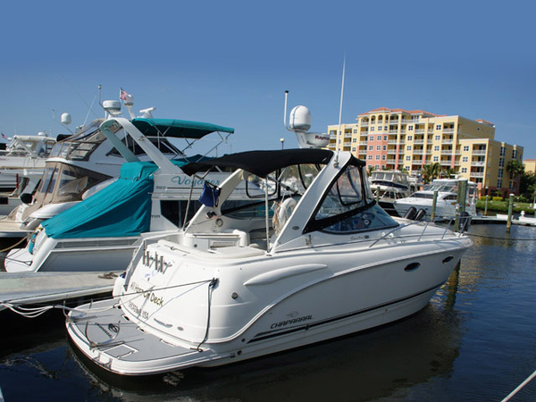Used Chaparral 310 Signature Series Cruiser Boat For Sale
