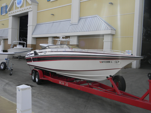 New Fountain 10M High Performance Boat For Sale