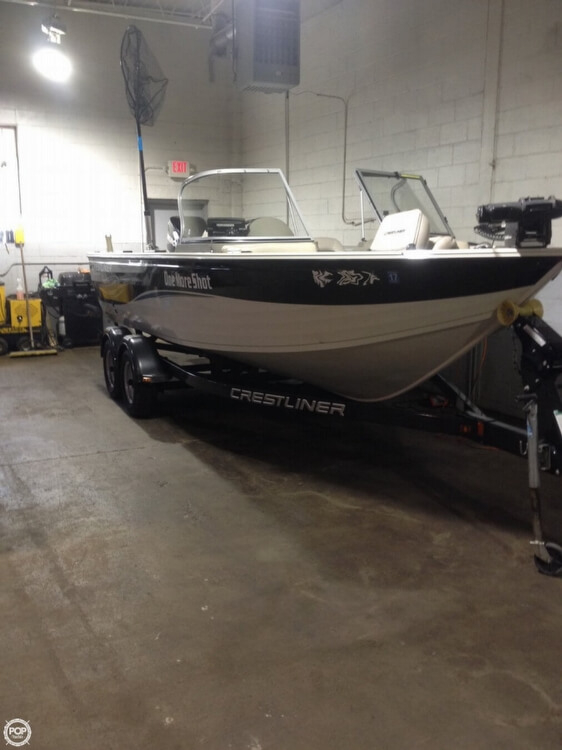 2010 used crestliner 1900 super hawk aluminum fishing boat for Used fishing boats for sale in michigan