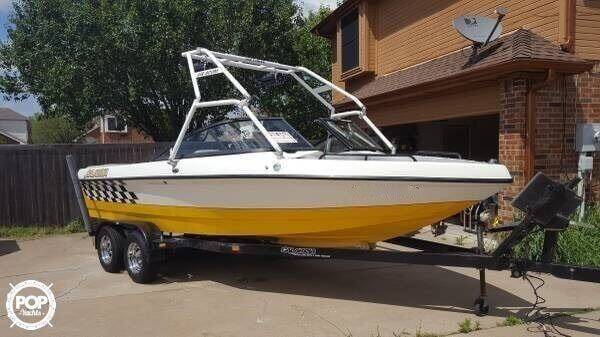 Used Calabria CAL AIR PRO V Ski and Wakeboard Boat For Sale