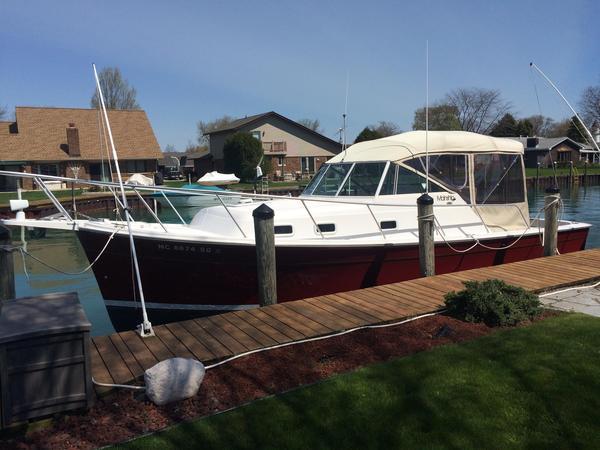 Used Mainship 30 Pilot Rum Runner Cruiser Boat For Sale