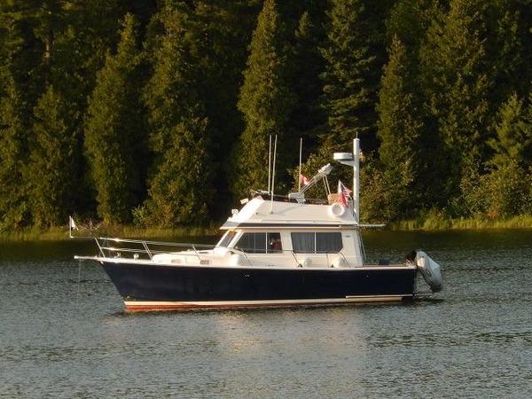 Used Sabreline 34 Flybridge Sedan Convertible Fishing Boat For Sale