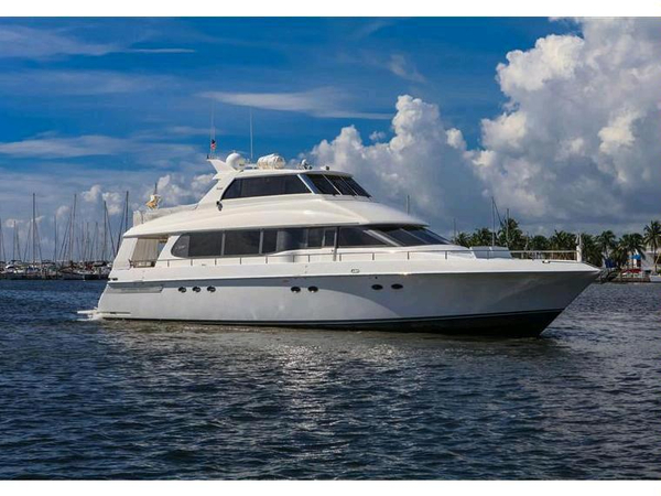 Used Lazzara Skylounge Motor Yacht Enclosed Motor Yacht For Sale