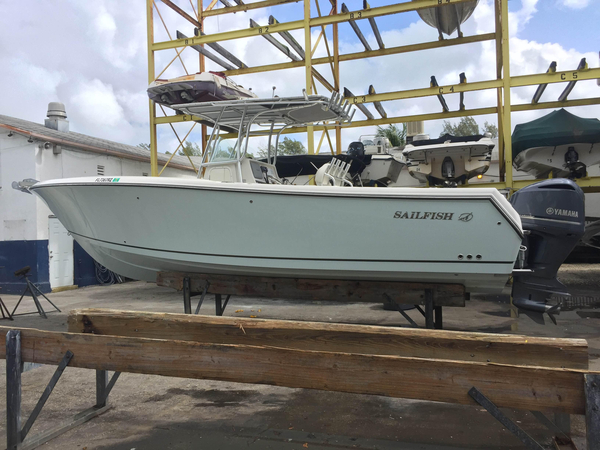 Used Sailfish 2860 CC Center Console Fishing Boat For Sale