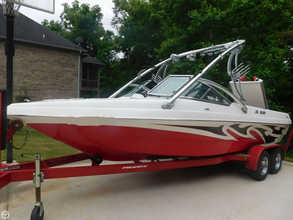 Used Mb Sports B 52 V23 Ski and Wakeboard Boat For Sale