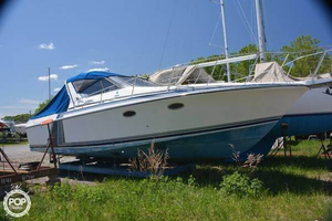 Used Trojan 33 Express Cruiser Boat For Sale