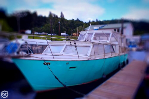 Used Aluminum Cruisers 32 ( Marinette ) Express Cruiser Boat For Sale