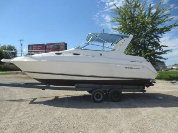 Used Wellcraft 26 AFT Cabin Boat For Sale