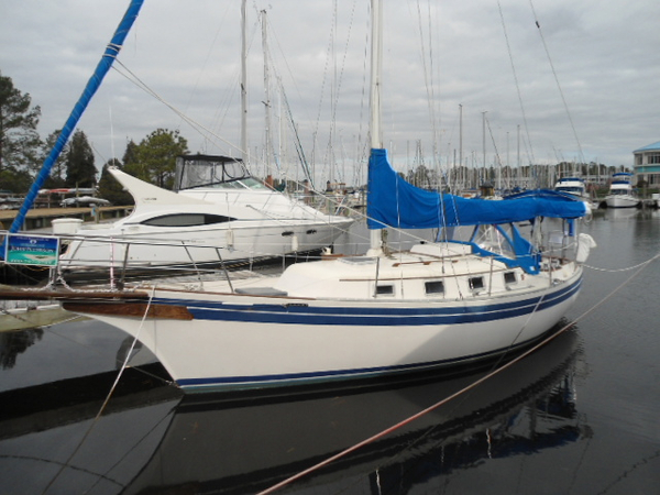 Used Bayfield Cruiser Sailboat For Sale