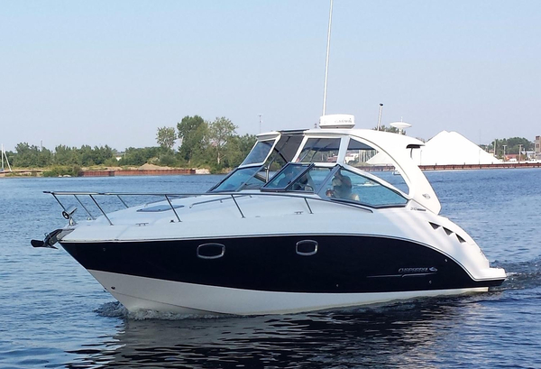 Used Chaparral 310 Signature Cruiser Boat For Sale