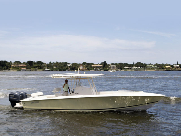 2007 Used Jupiter 31 CC FS Center Console Fishing Boat For