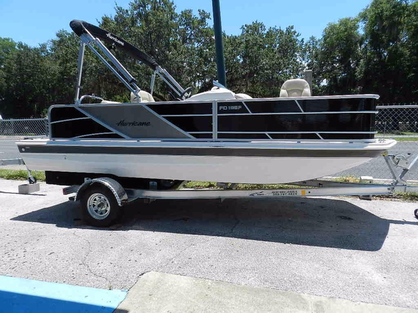 New Hurricane FunDeck 196REF3 Deck Boat For Sale