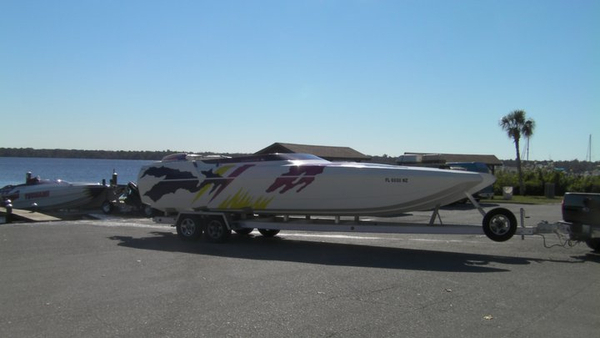 Used Donzi Daytona High Performance Boat For Sale
