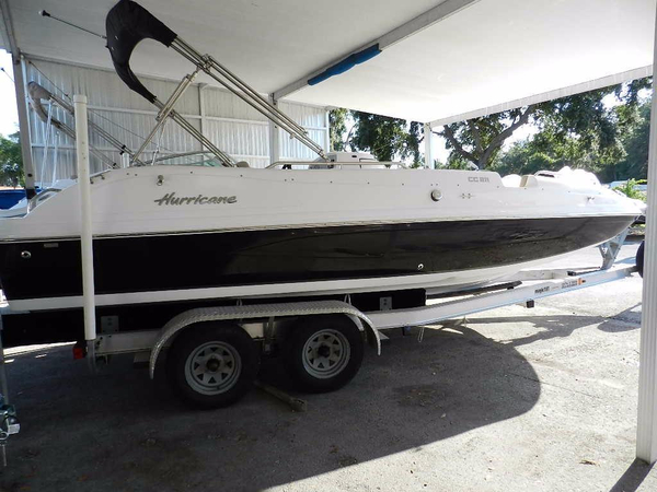 New Hurricane Fun Deck 211 Deck Boat For Sale