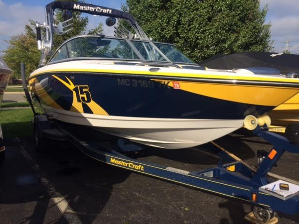 Used Mastercraft X-15 Ski and Wakeboard Boat For Sale