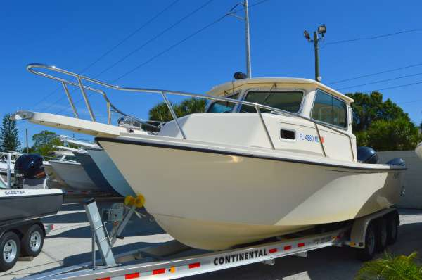 Used Parker Boats 2520 XL Pilothouse Boat For Sale