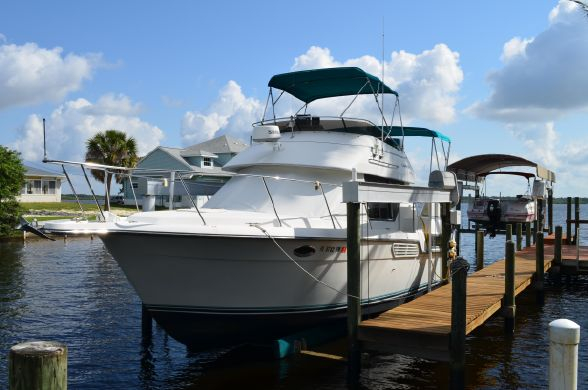 Used Carver 325 Aft Cabin Cruiser Boat For Sale