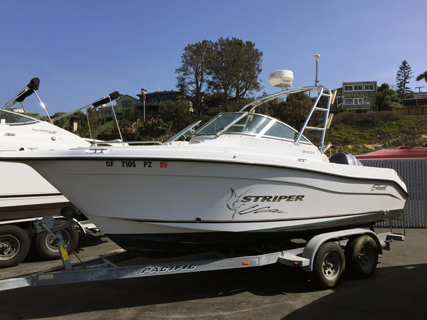 Used Seaswirl Striper 2101 Dual Console OB Saltwater Fishing Boat For Sale
