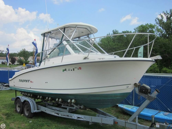 Used Trophy Pro 2302 WA Walkaround Fishing Boat For Sale