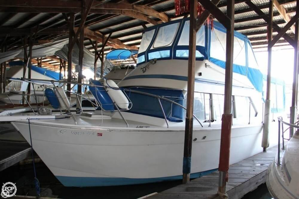 Used Chris-Craft 33 Catlina Coho Sedan Trawler Boat For Sale