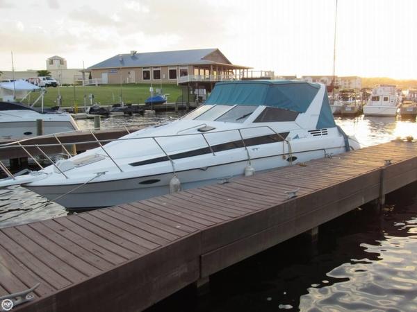 Used Bayliner Avanti 3055 Sunbridge Express Cruiser Boat For Sale