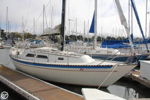 Used Islander Yachts 28 Sloop Sailboat For Sale