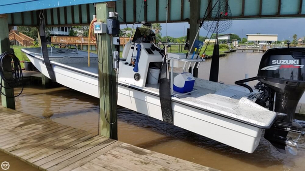 Used Ultra Cat 23XS Flats Fishing Boat For Sale