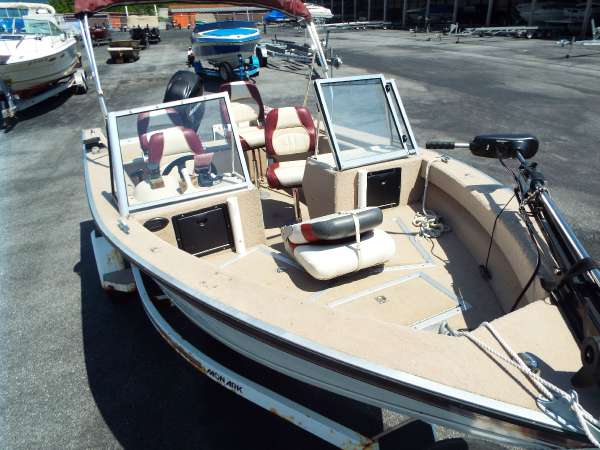 1997 used monark marine pro 1700 freshwater fishing boat for Best freshwater fishing boats