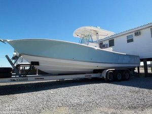Used Regulator Marine 32 FS Center Console Center Console Fishing Boat For Sale