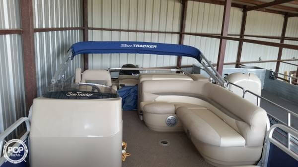 Used Sun Tracker 22 DLX FISHING BARGE Pontoon Boat For Sale
