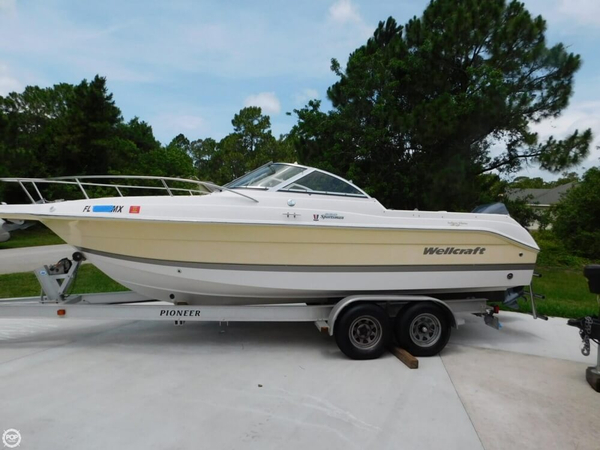 Used Wellcraft 220 Sportsman Bowrider Boat For Sale