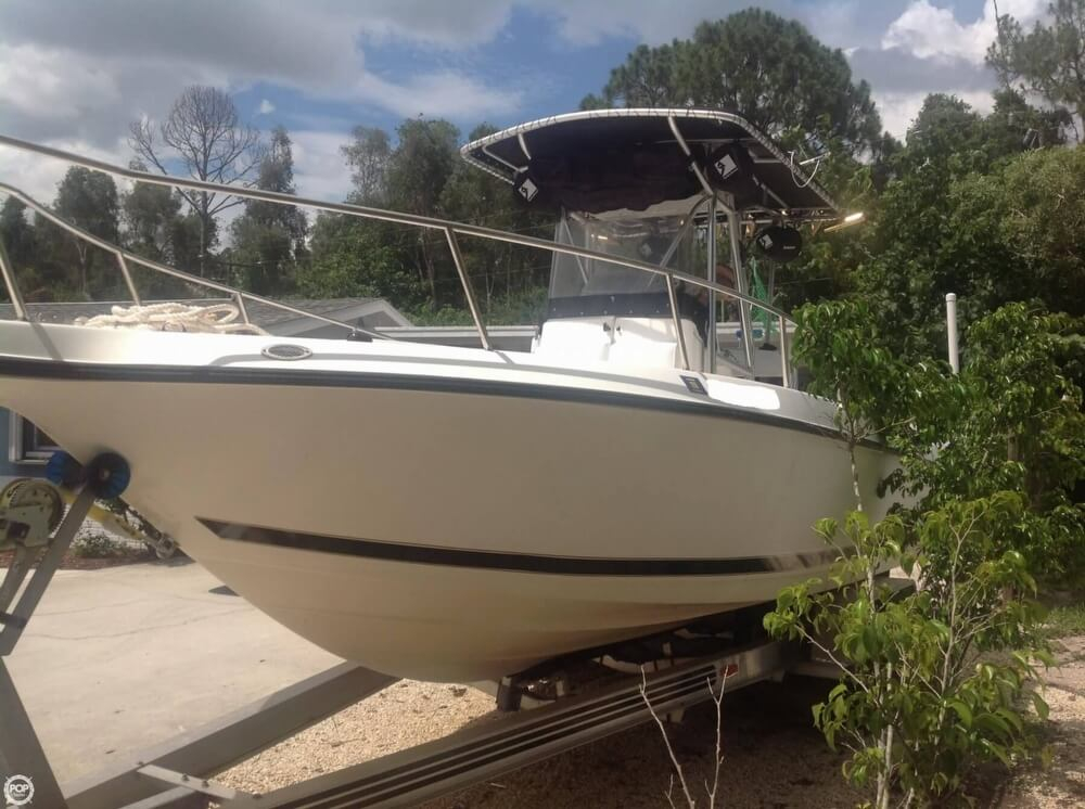 1998 used century 2600 cc center console fishing boat for for Used fishing boats for sale in florida