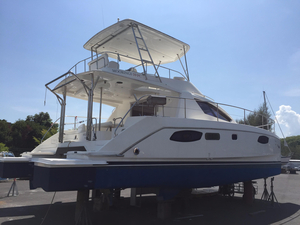 Used Robertson And Caine Leopard 39 PC Power Catamaran Boat For Sale